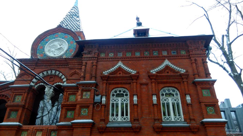 Здание «Старого музея» там же.