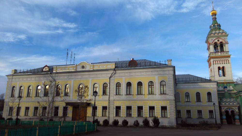 В советское время здание использовалось сначала под школу, в конце 1920-х годов здесь располагалось студенческое общежитие, затем жилой дом, по окончании войны – снова общежитие. После пожара его в руинах возвратили старообрядческой Митрополии в 1997 году. В настоящее время здание полностью восстановлено.