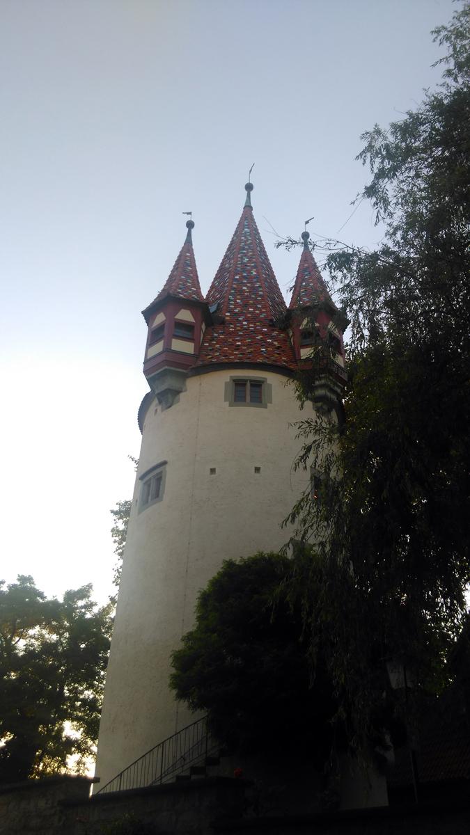 """Это Diebsturm - """"воровская"""" башня, сооружённая в 1380 году как часть городской стены. Такж же в башне была тюрьма. Отсюда и ее название."""