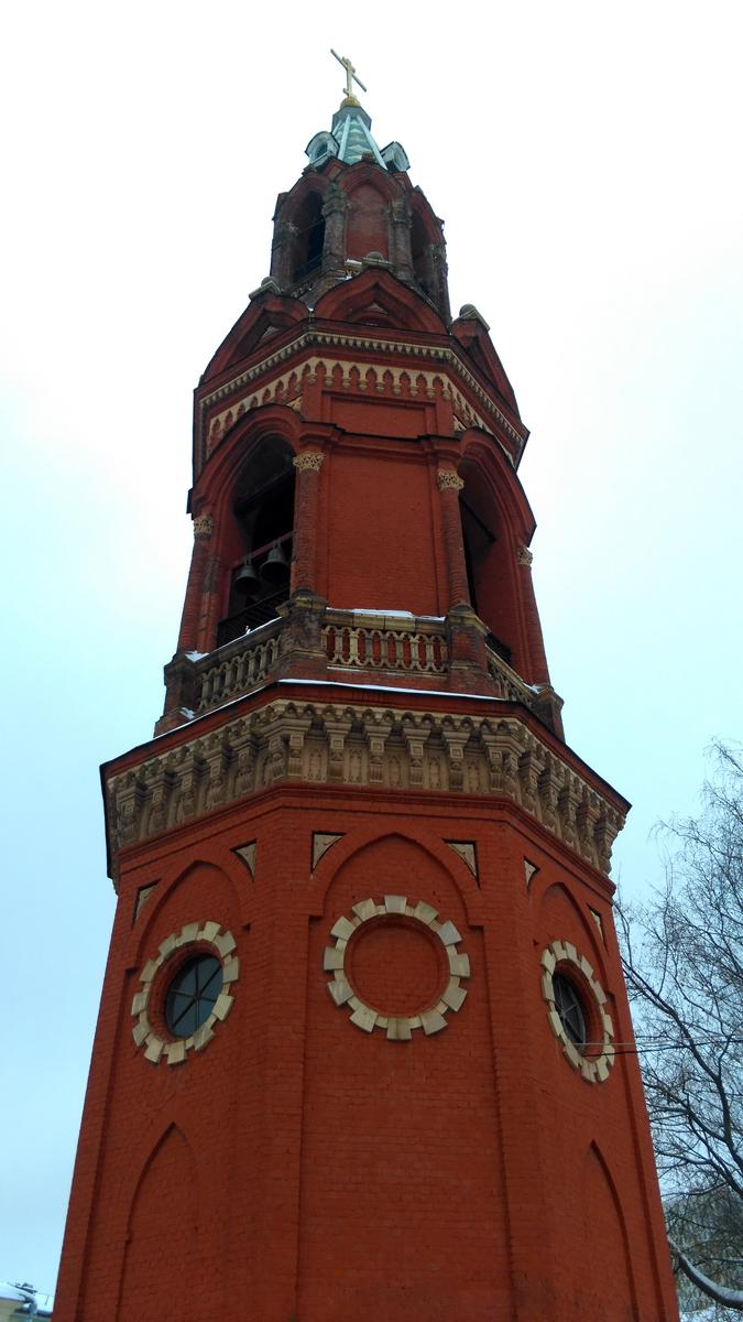 Построена в готическом стиле в 1830 г. на средства благотворителей, главным образом Алексея Ивановича Хлудова и Ивана Васильевича Носова, архитектор М. К. Геппенер.