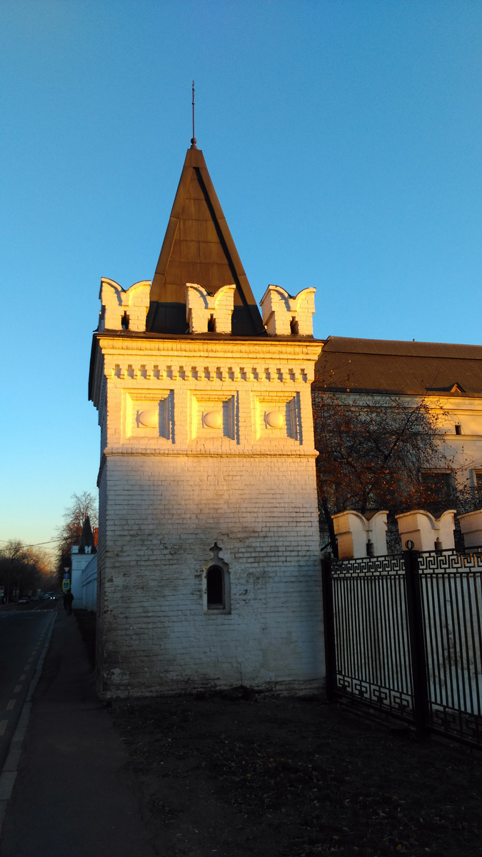 Патриаршья башня Данилова монастыря (юго-западная)