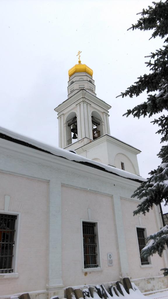 В 1932 году снесена колокольня и была восстановлена в  2006 году.