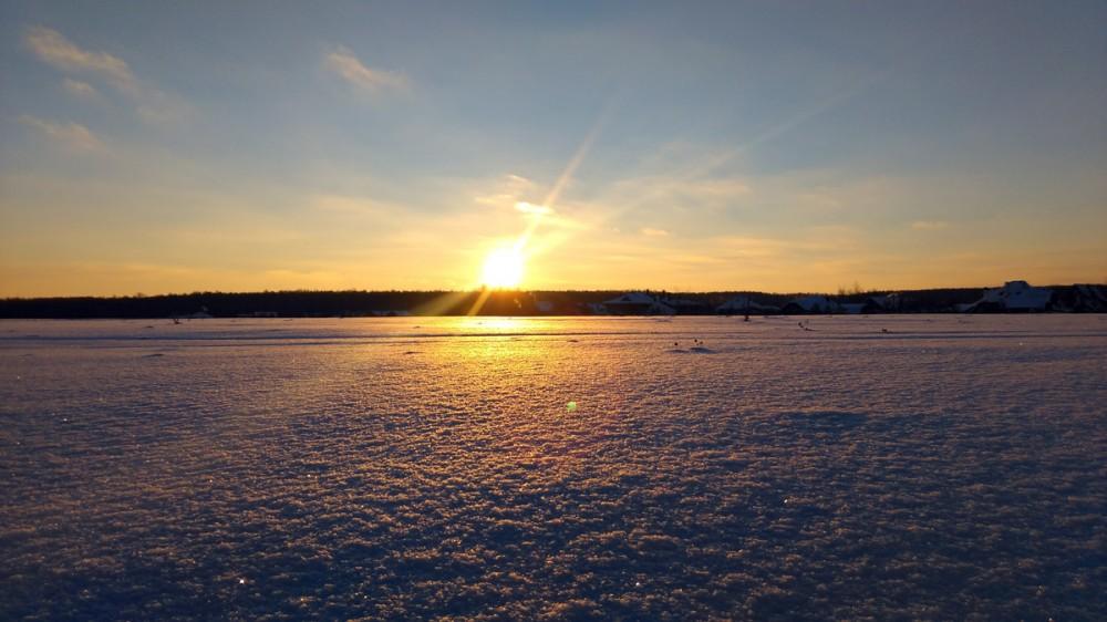 7 января 2019. Под вечер робко показалось солнышко и тут же спряталось за горизонтом.