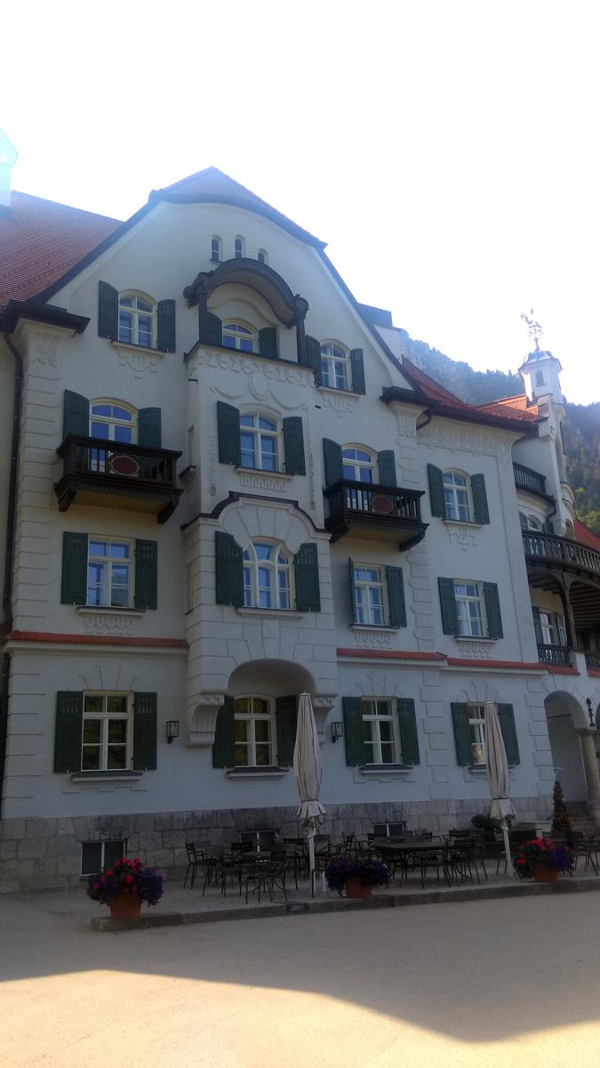 Музей Баварских Королей открыт в 2011 году к 125-летию со дня смерти Людвига II. Он рассказывает об истории королевской семьи Виттельсбахов с момента ее зарождения до современности.