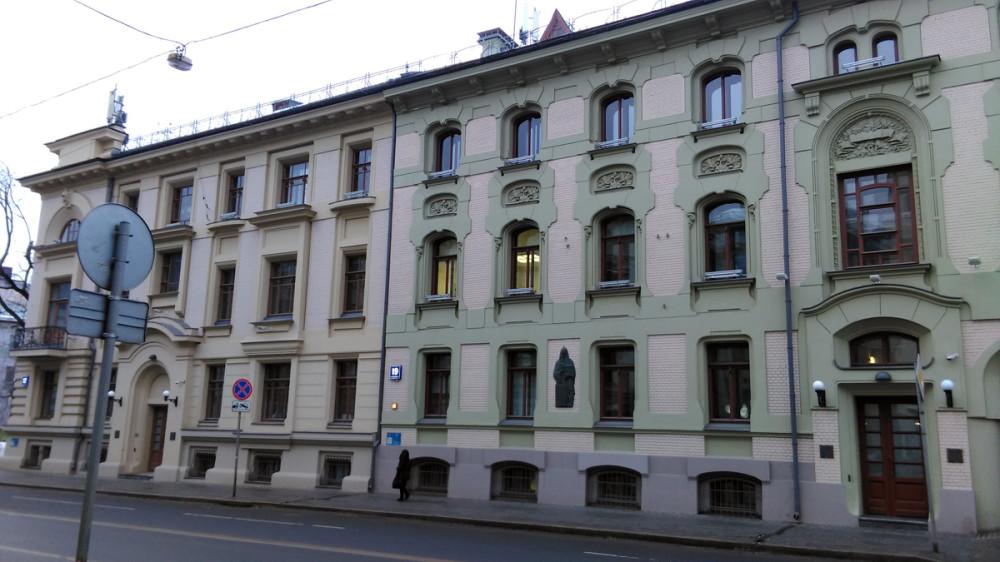 Улица Остоженка и сразу три дома архитектора Льва Кекушева. Доходный дом В. И. Грязнова и Доходный дом А. И. Кекушевой