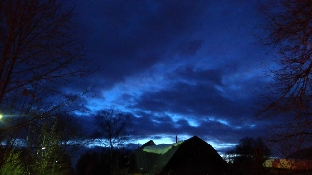Тревожное и красивое вечернее небо