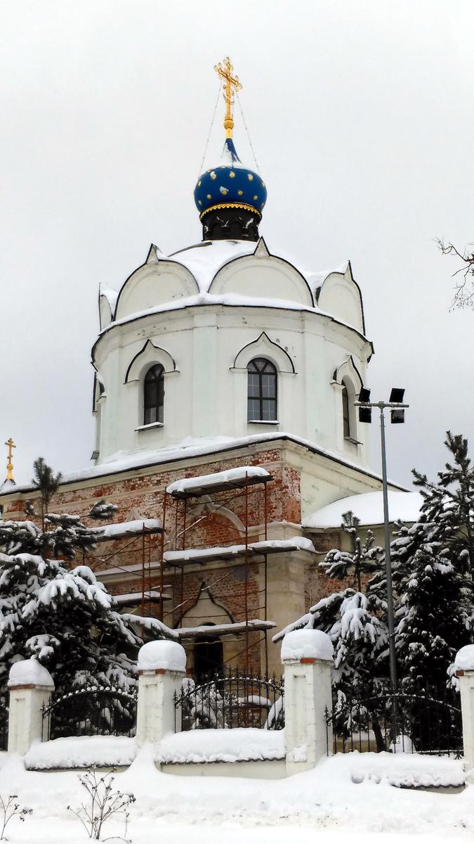 Церковь святых бессеребренников Космы и Дамиана в Меткине
