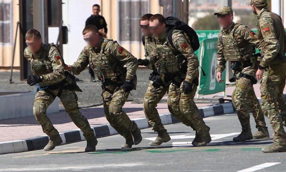 """Кстати, в феврале команда спецназа КГБ РБ заняла второе место на соревнованиях подразделений спецназначения UAE Swat Challenge, которые прошли в Объединенных Арабских Эмиратах. Приятно, что вся команда в наших """"плитниках""""."""