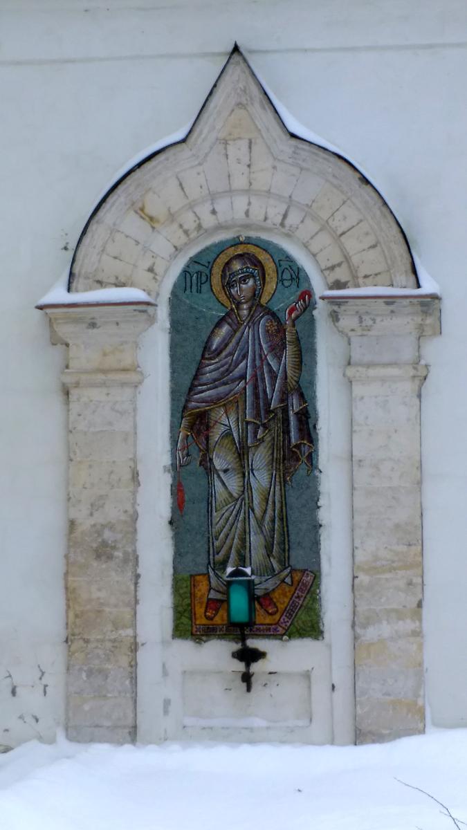 Красивая мозаика сделана во время реставрации.