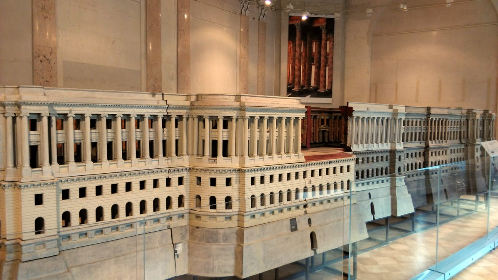9 марта было очень насыщенным на впечатления. Сначала посетил Государственный музей архитектуры имени А.В. Щусева. Помимо всего прочего, очень понравились макеты зданий в разных масштабах.