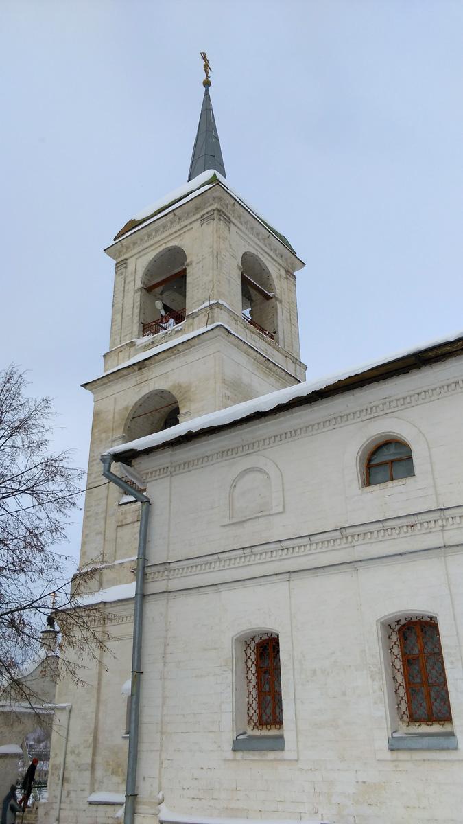 В 1957 г. Успенский храм пострадал от пожара. Одно время он был закрыт, а часть его святынь утрачена. В 1995 г. приход был преобразован в подворье Московского Новодевичьего монастыря.