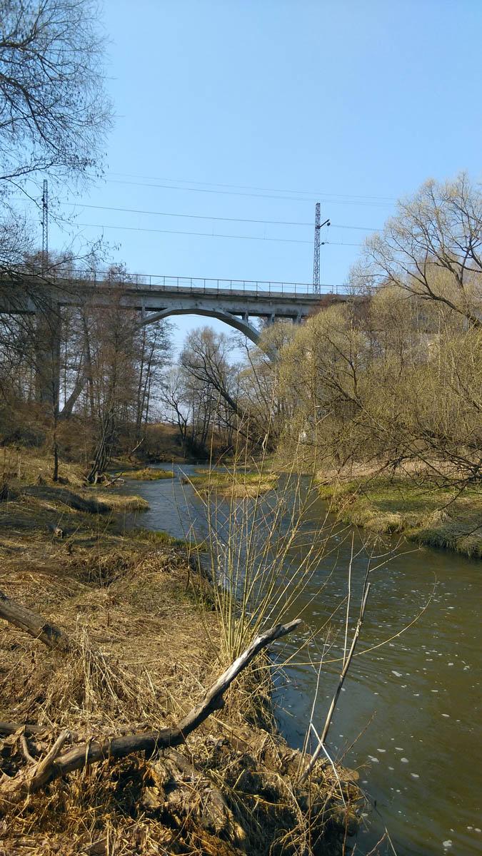 ЖД-мост через реку Каширка.