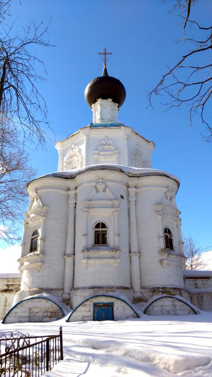Церковь Смоленской иконы Божией Матери в Кривцах