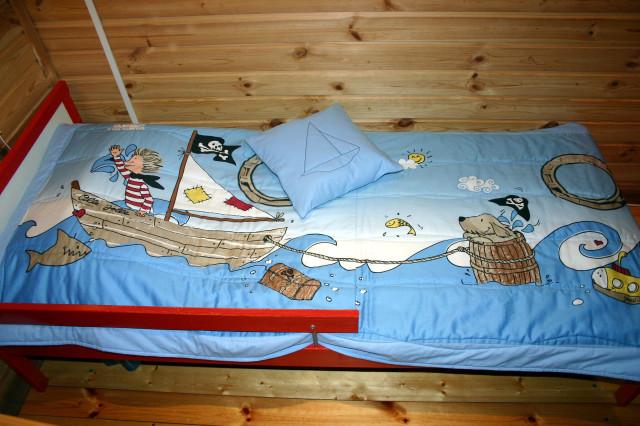 Покрывало на кровать своими руками для мальчиков