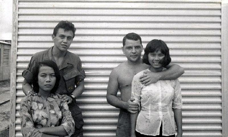 Жесткий секс во время войны