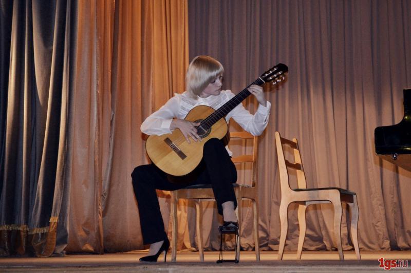 экзамен по игре на гитаре