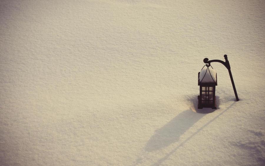 407984_sneg_zima_fonar_minimalizm_nastroenie_1920x1080_(www.GdeFon.ru)