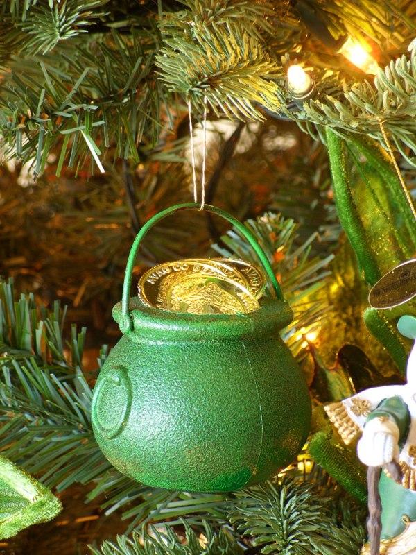 irish-pot-of-gold-ornament