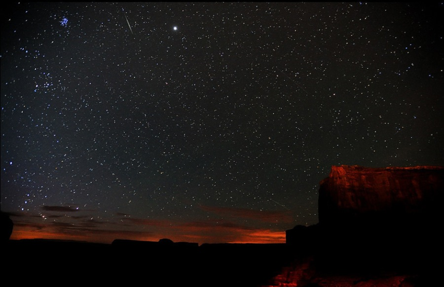 berkes-perseid-monument-valley