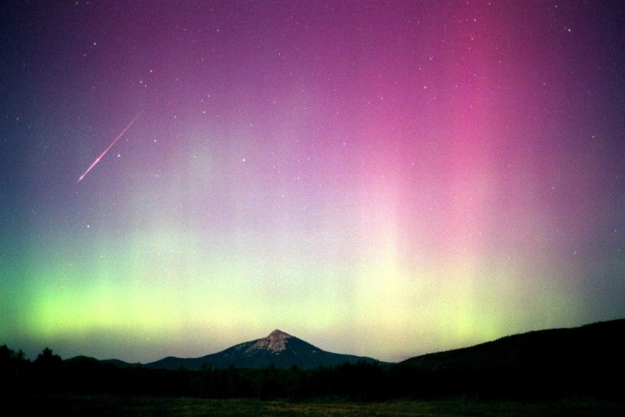 westlake-perseid-aurora