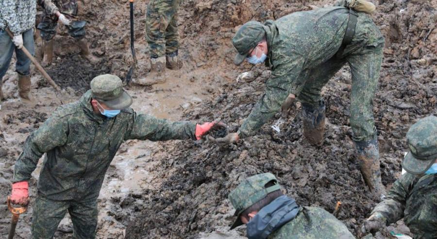 Останки почти 300 советских воинов нашли подо Ржевом...