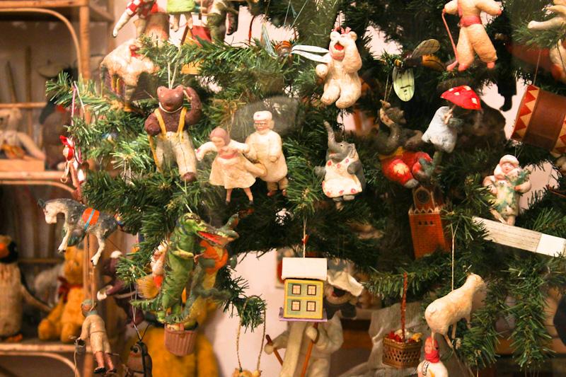Сказочная игрушка на елку
