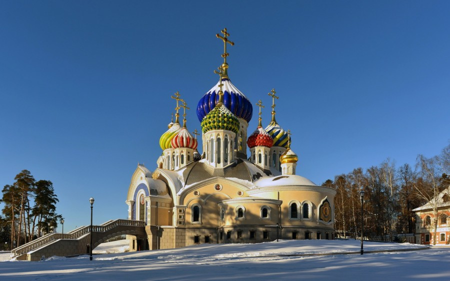 Wallpaper-Church-with-colored-towers-Moscow-Russia-5120x3200-1920x1200