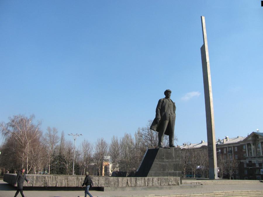 lenin_monument_02