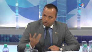 Ведуший Круглого стола сенатор К.Э.Добрынин