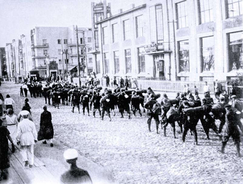Участники покорения Белухи. Фото: газета «Советская Сибирь».