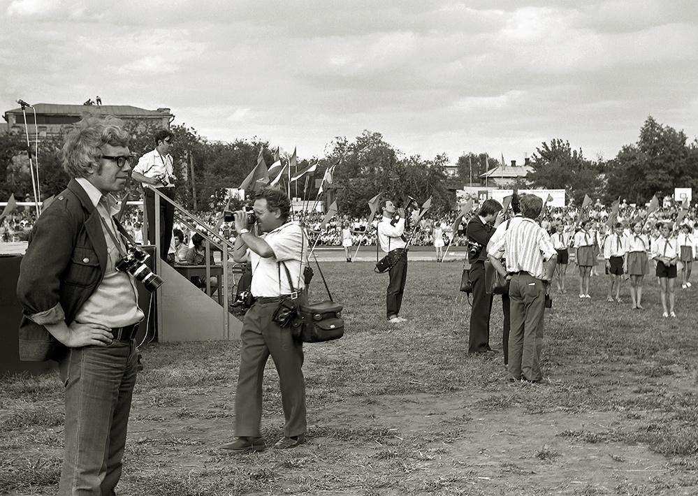 1977 год Очередной советский праздник.