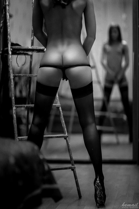 Эротика девушки фото сзади