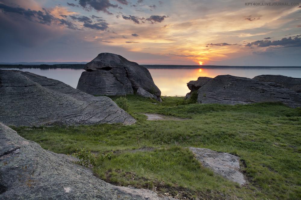 каменные палатки на озере большие аллаки