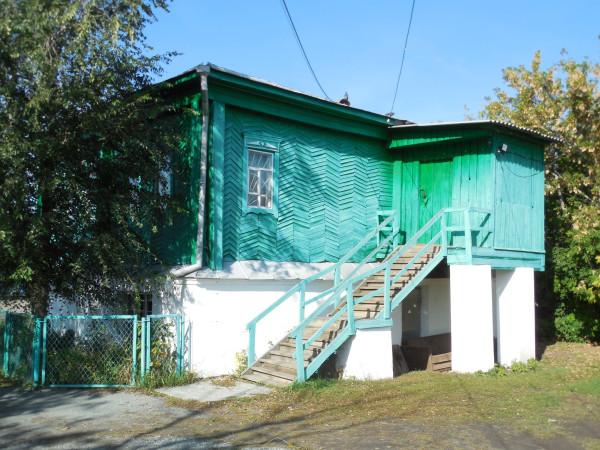 Дом со двора