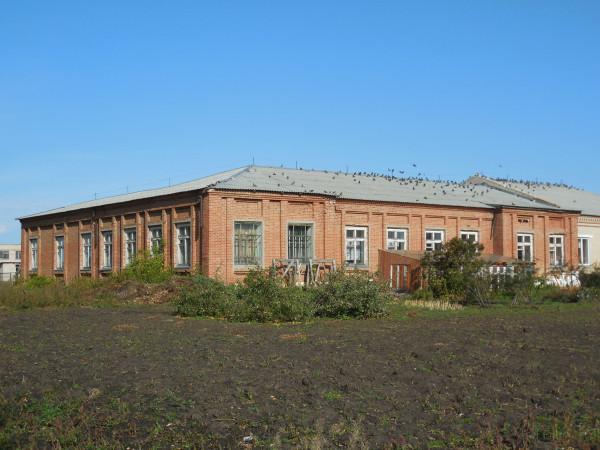 Школа с фасада