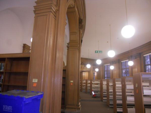 Центральная библиотека  Манчестер, идет капитальный ремонт, откроется весной 2014г.