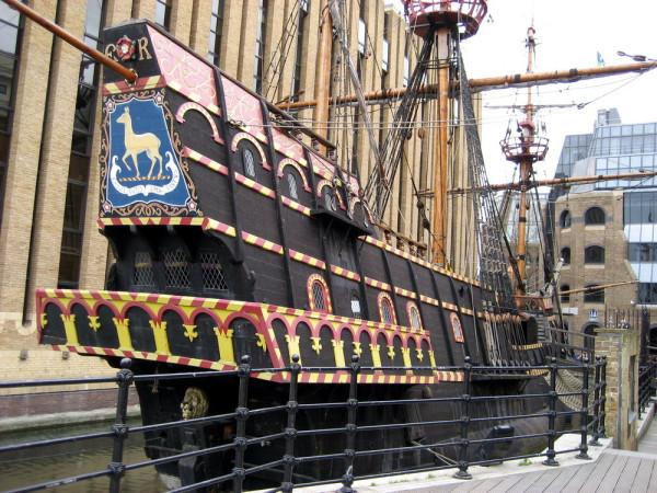 b7e20d2350705639cb0805031914bcaf_Francis-drake-galleon-southwark-london-uk