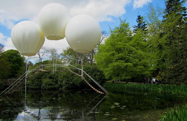 Three-Giant-Balloons-6