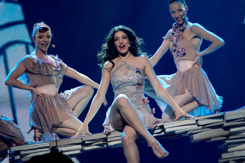 Ivi-Adamou---La-La-Love-(Cyprus)-2012-9