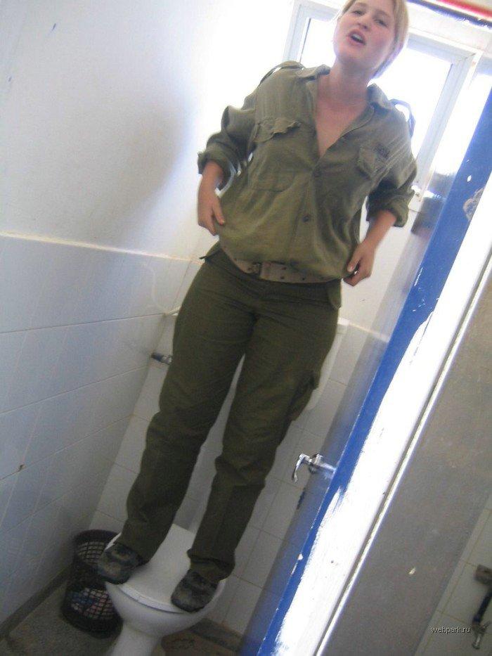 Женщин-военнослужащих израильской армии наказали за эротику wargirl_02
