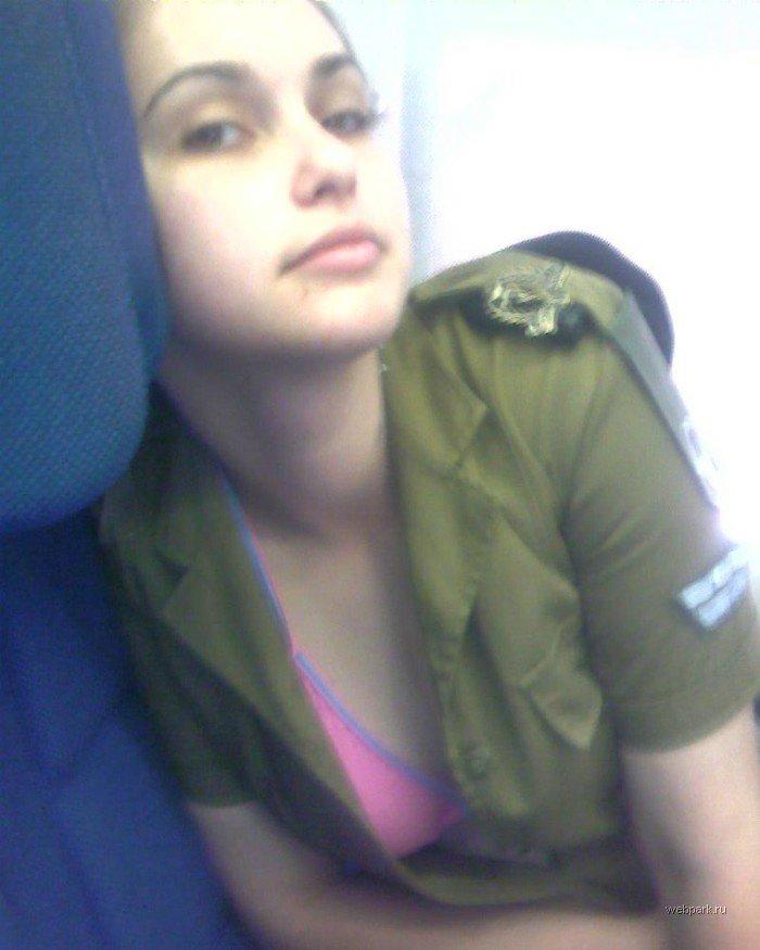 Женщин-военнослужащих израильской армии наказали за эротику wargirl_10