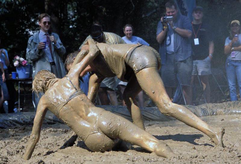 Бесп женские бои в грязи секс — pic 9