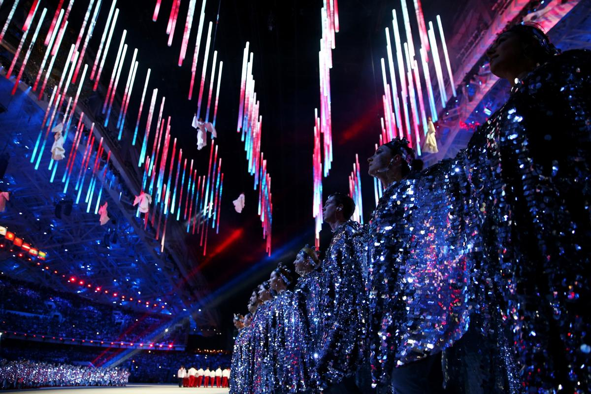 2014-winter-olympic-games-closing-20140223-163848-925
