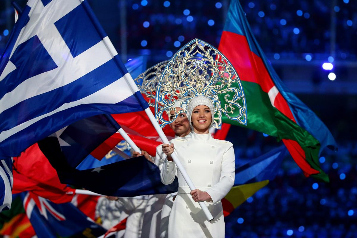 2014-winter-olympic-games-closing-20140223-173549-957