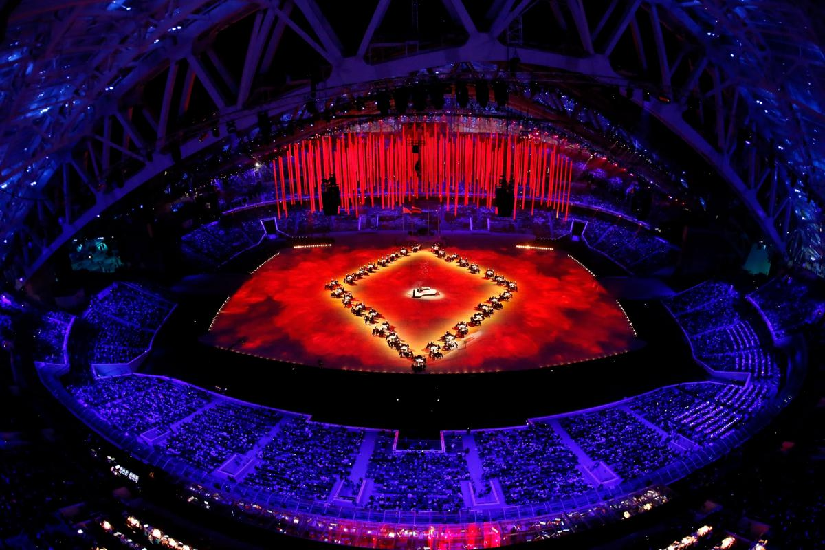 2014-winter-olympic-games-closing-20140223-172315-572