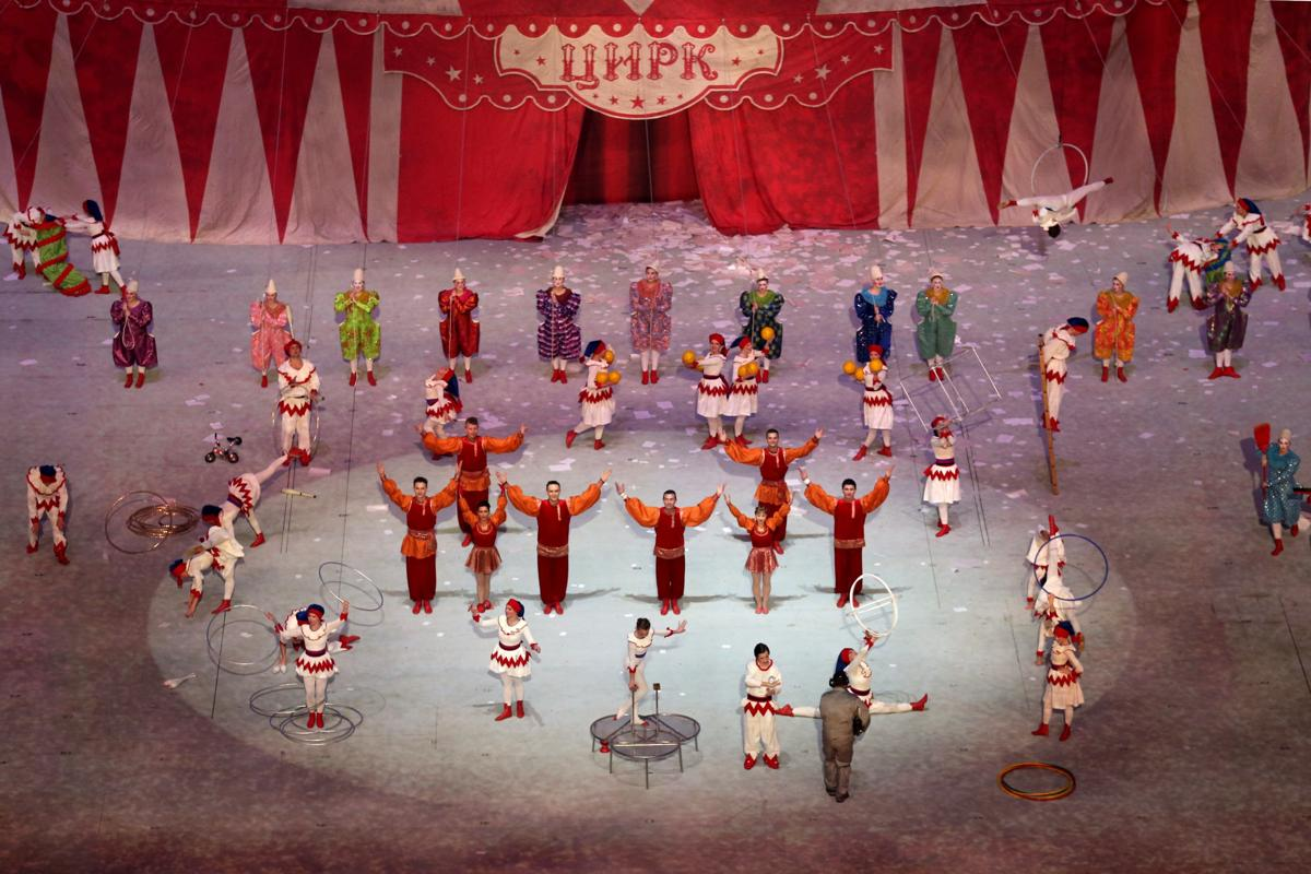 2014-winter-olympic-games-closing-20140223-173953-341