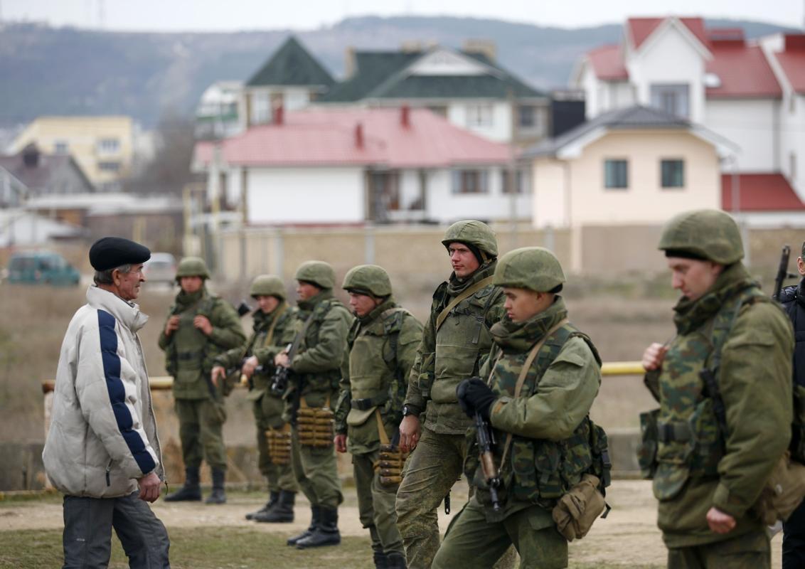 2014-03-02T125354Z_784584776_GM1EA321LWK01_RTRMADP_3_UKRAINE-CRISIS