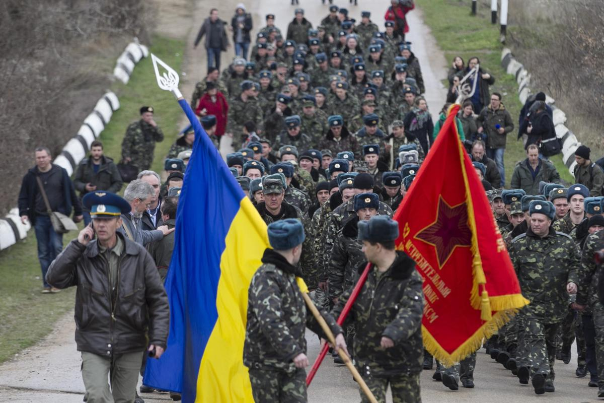 2014-03-04T152612Z_215661033_GM1EA341SMR01_RTRMADP_3_UKRAINE-CRISIS-CRIMEA