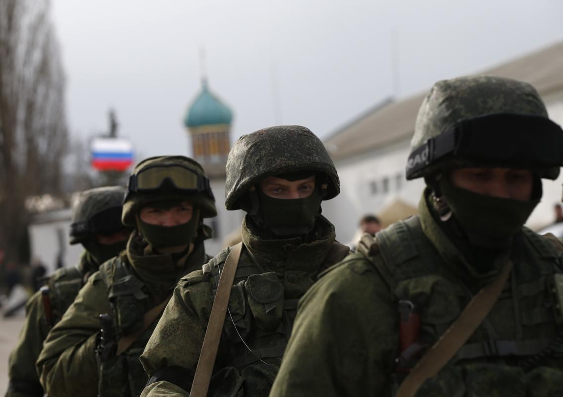 2014-03-04T072708Z_1425234639_GM1EA3416UW01_RTRMADP_3_UKRAINE-CRISIS-RUSSIA-MILITARY