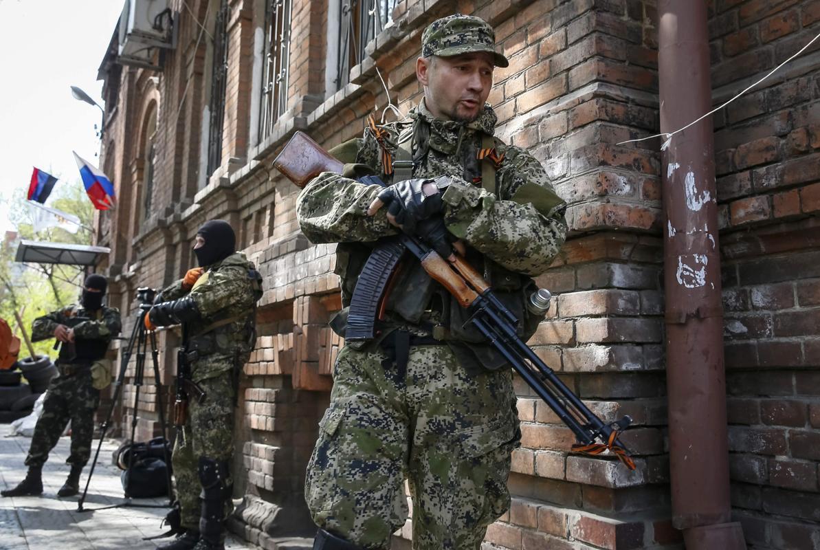 2014-04-21T134051Z_1916910756_GM1EA4L1O5501_RTRMADP_3_UKRAINE-CRISIS